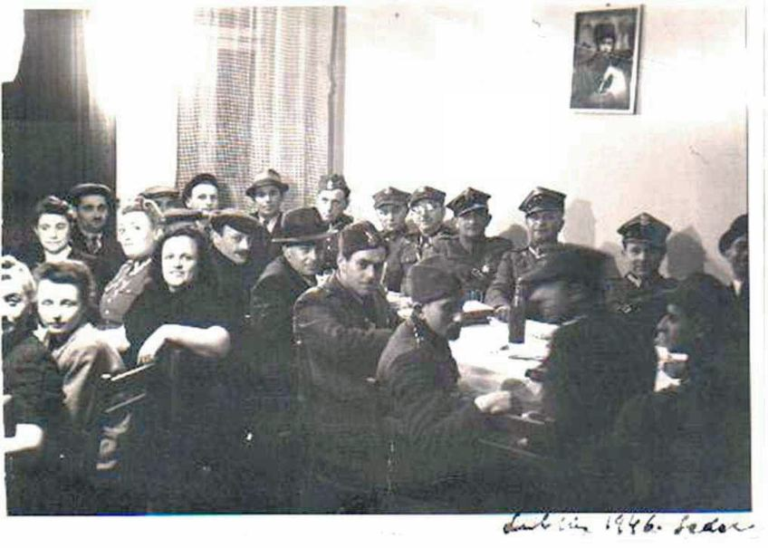 tata-passover--seder-lublin-1946